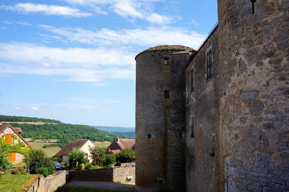 Visiter le village et le chateau de Chateauneuf