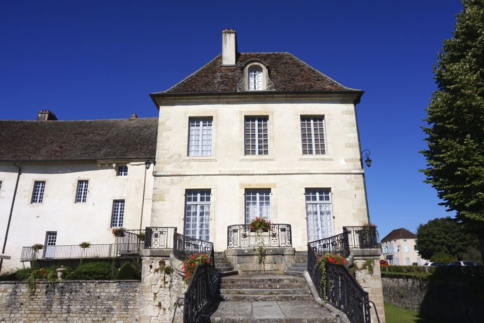 Chateau de Gilly, Bourgogne