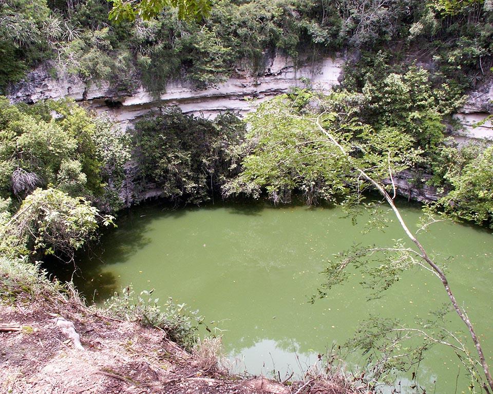 cenote sacree chichen itza