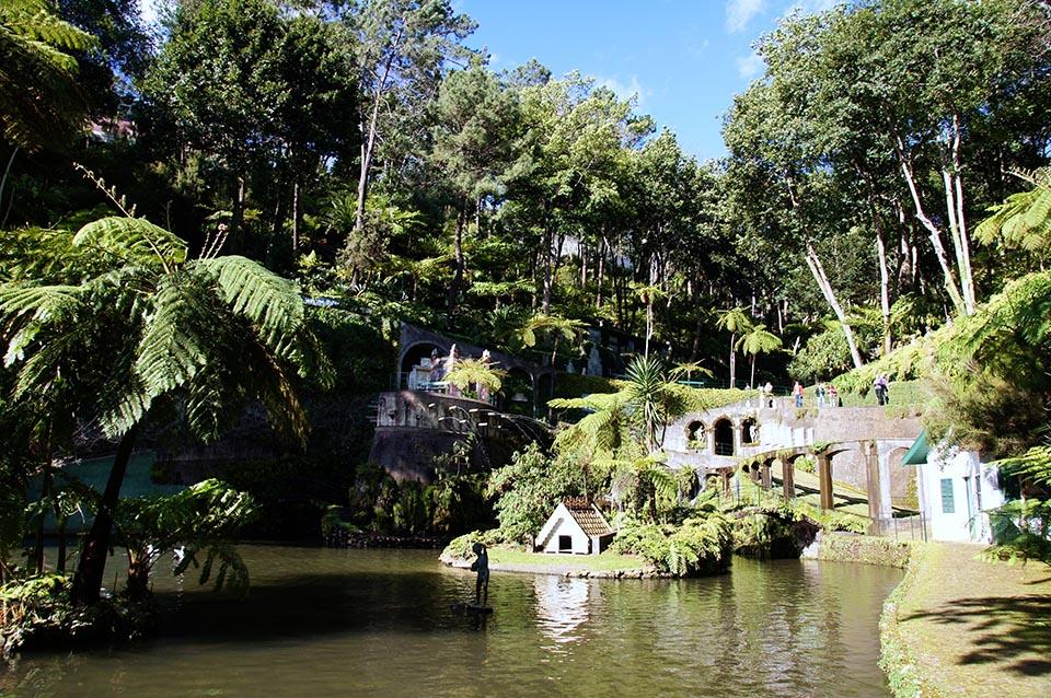 Mad re l le aux fleurs chouette world blog voyage for Jardin a visiter