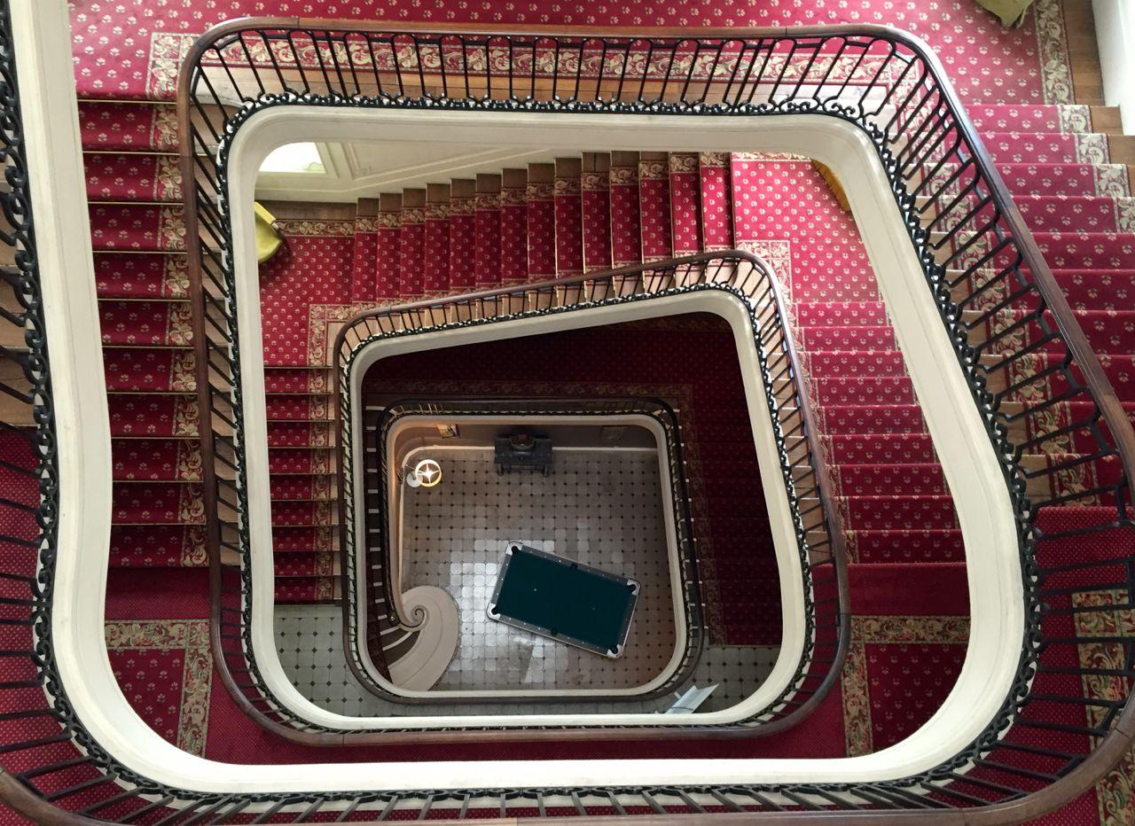 hotel_cosmos_escalier