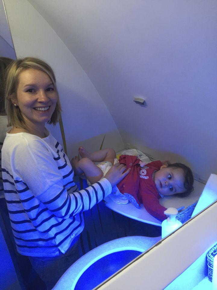 voyager en avion avec bebe