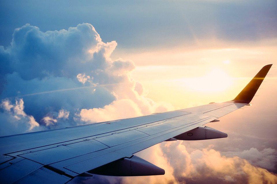 partir en avion avec bébé
