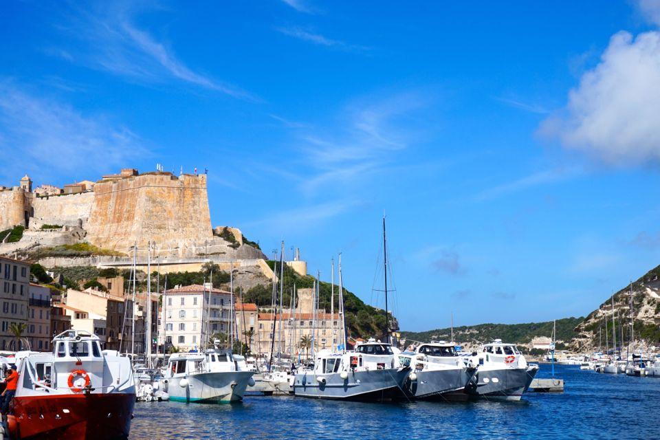 Visiter bonifacio 8 lieux incontournables chouette for Restaurant bonifacio port