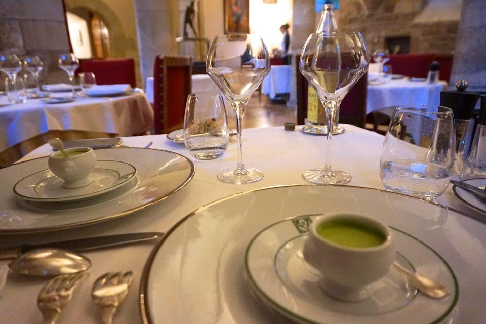 Restaurant Clos Prieur, Chateau de Gilly, Bourgogne